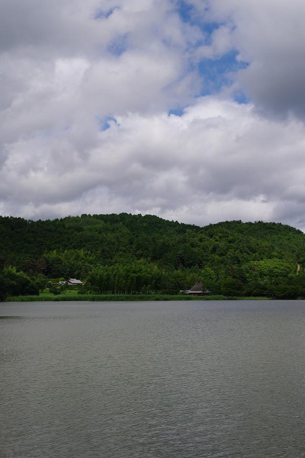 広沢池で空を撮る..._f0152550_2295958.jpg