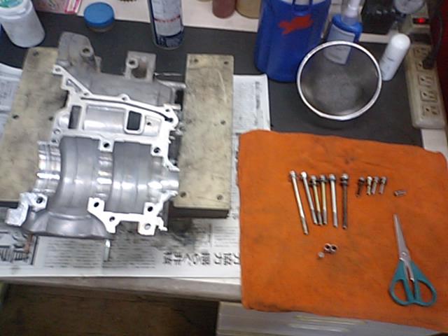 6  NSR250エンジンO/H_e0114857_21364100.jpg