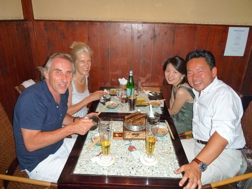 迷った末に,晩ご飯は焼き鳥の名店「六甲」_c0180686_334438.jpg