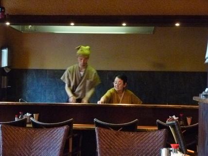 迷った末に,晩ご飯は焼き鳥の名店「六甲」_c0180686_33751100.jpg