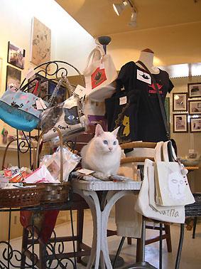 『猫ふんじゃたなギャラリーたち』は終了いたしました。_f0138928_1545662.jpg