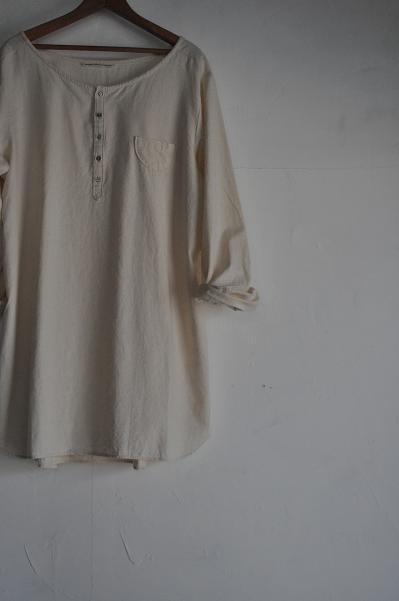 GRANDMA MAMA DAUGHTER Henley Neck Long Shirt