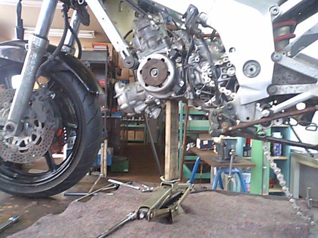 8 NSR250エンジンO/H_e0114857_22242911.jpg