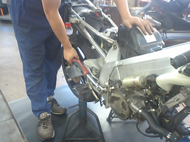 8 NSR250エンジンO/H_e0114857_2240618.jpg