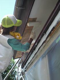 塗装工事は順調に進んでいます。_d0165368_7202794.jpg