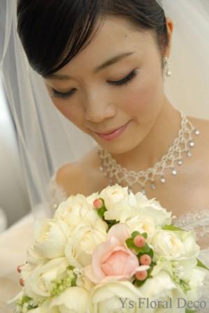 カップ咲きのバラ キャスケードブーケ_b0113510_0123392.jpg