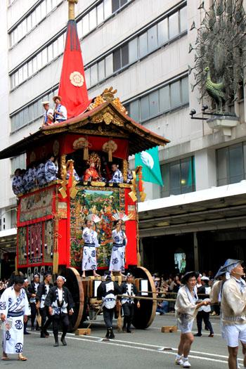 祇園祭山鉾巡行2_e0048413_2114113.jpg