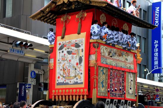 祇園祭山鉾巡行2_e0048413_21142686.jpg