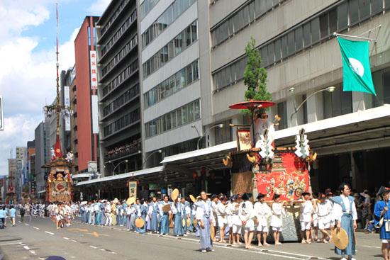祇園祭山鉾巡行2_e0048413_21144880.jpg
