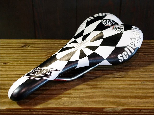 selle ITALIA SLR Troy Lee Designs Vanox_e0132852_12225371.jpg