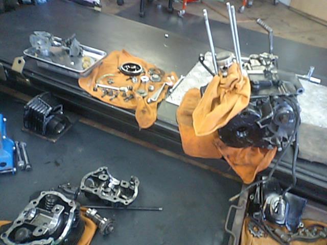 8 NSR250エンジンO/H_e0114857_0231614.jpg