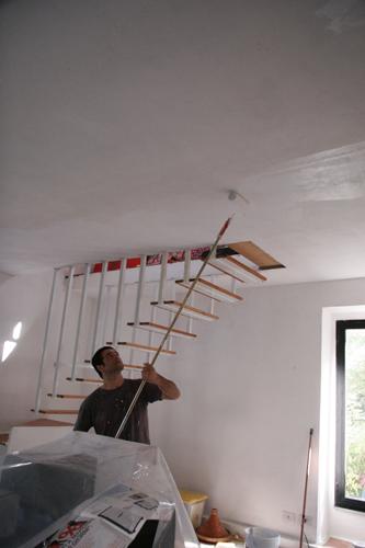 イタリアの夏のお掃除は・・・壁塗りっ!_f0106597_2335432.jpg