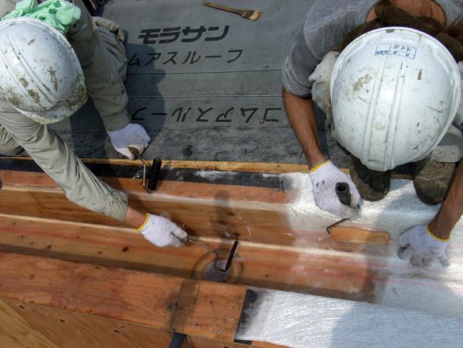 K邸屋根のFRP防水作業_b0186200_23234525.jpg