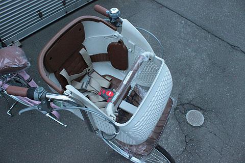 ノーブランド子供乗せ自転車_e0126901_0464718.jpg