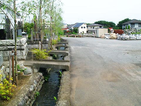 柴崎分水(立川分水)(4)中央線付近〜根川合流点直前まで_c0163001_1815668.jpg