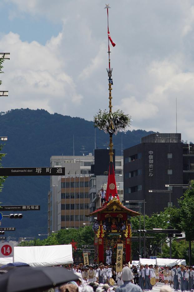 祇園祭 山鉾巡行 ~辻回し~(前編)_f0152550_1739851.jpg