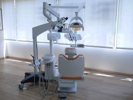 マイクロスコープの画像を録画し患者さんにお見せしています_b0190560_7173637.jpg