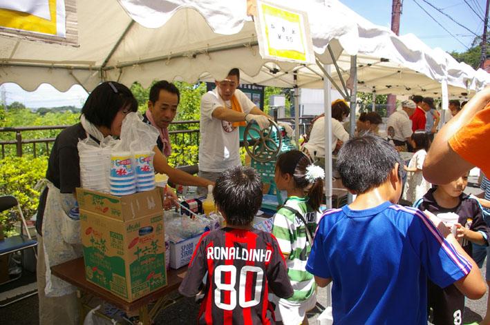 祭りはコミュニティを維持させる舞台装置:10高野台夏祭り_c0014967_1914732.jpg