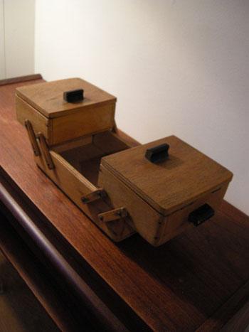 裁縫箱 (DENMARK/SWEDEN)_c0139773_1933182.jpg