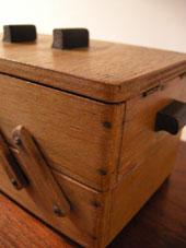 裁縫箱 (DENMARK/SWEDEN)_c0139773_1936483.jpg