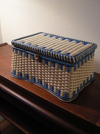 裁縫箱 (DENMARK/SWEDEN)_c0139773_1938537.jpg