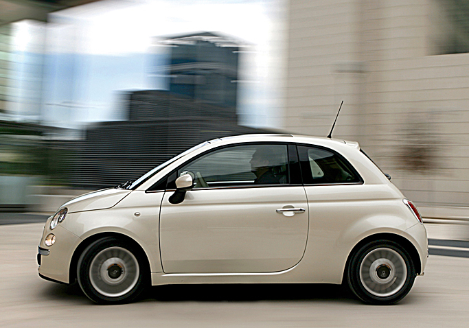 FIAT 500 cinquecento(チンクエチェント)_f0099102_2373954.jpg