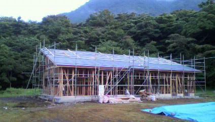 屋根とサッシ_e0179508_22495862.jpg