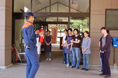 消防総合訓練を実施_a0154110_14514149.jpg