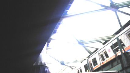 高架下から_f0235201_2275921.jpg