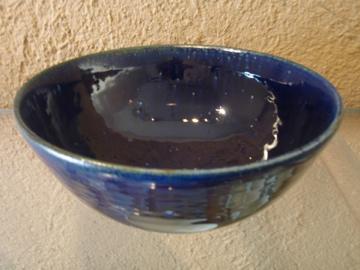 臼田けい子さんの瑠璃、紺 、白のうつわたち_b0132442_1603817.jpg