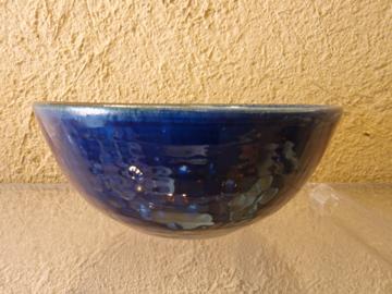 臼田けい子さんの瑠璃、紺 、白のうつわたち_b0132442_1604677.jpg