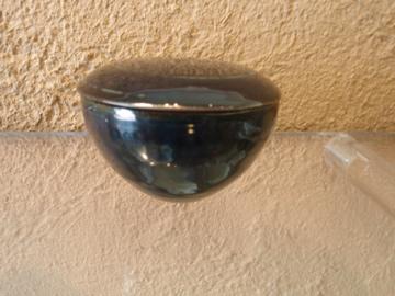 臼田けい子さんの瑠璃、紺 、白のうつわたち_b0132442_17221732.jpg