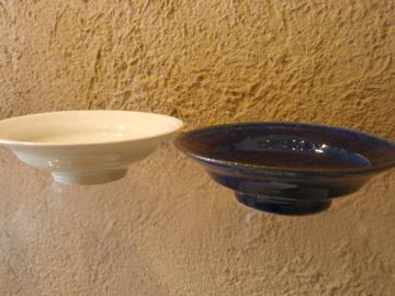 臼田けい子さんの瑠璃、紺 、白のうつわたち_b0132442_17542299.jpg