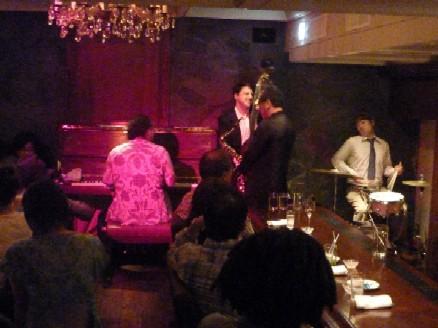 2010-07-22 中村誠一カルテット@銀座「Bar Chase」_e0021965_11575159.jpg