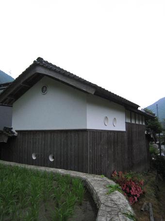 北播磨の蔵の開口部は小さくて丸い。その2。_c0195909_202165.jpg