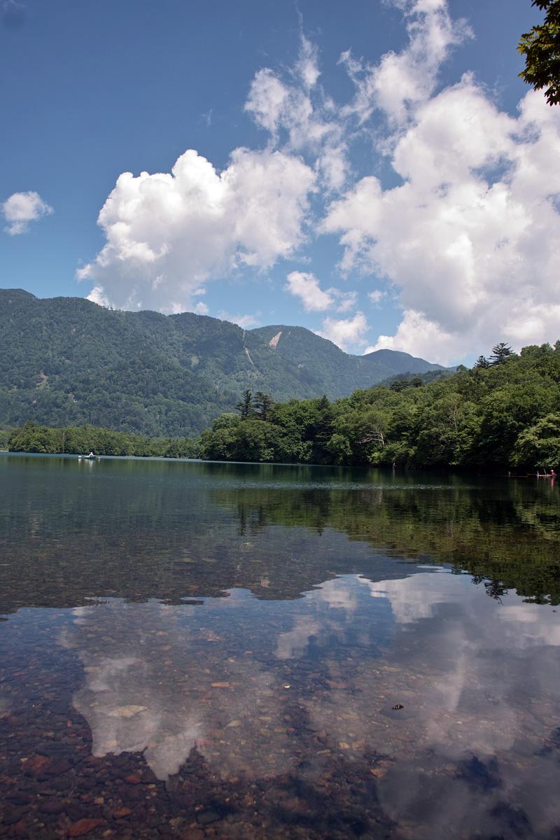 夏の湖を釣る_c0095801_18234088.jpg