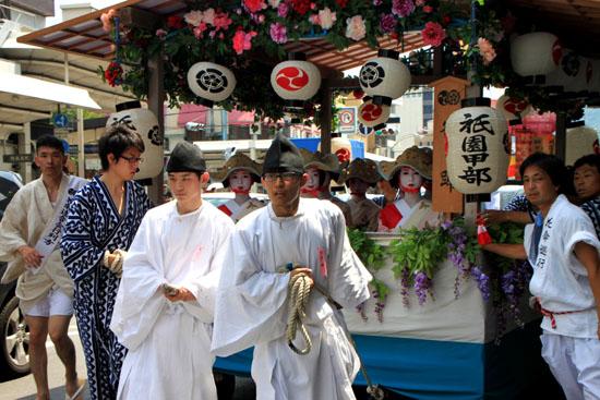 祇園祭り 花笠巡行 2_e0048413_2133292.jpg