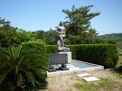 織幡神社(5)沈鐘伝説と海女_c0222861_1461977.jpg