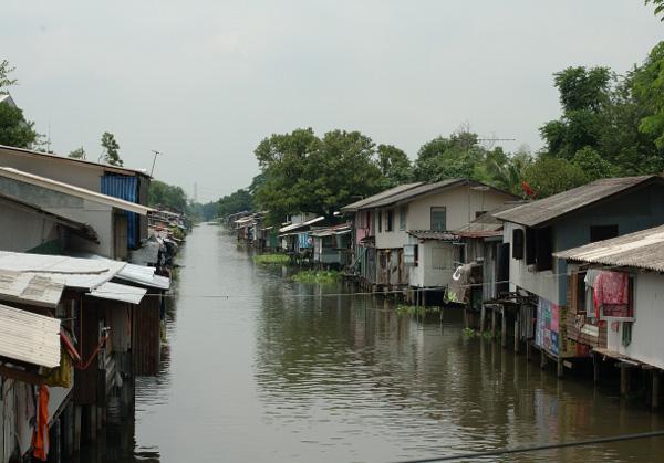 バンコク散歩(8) 運河沿い編_b0131470_9211273.jpg