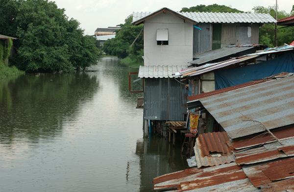 バンコク散歩(8) 運河沿い編_b0131470_921422.jpg