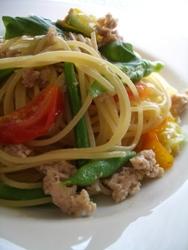 7/24本日のパスタ:鶏挽肉と朝採りインゲン・トマトのスパゲティ_a0116684_15401298.jpg