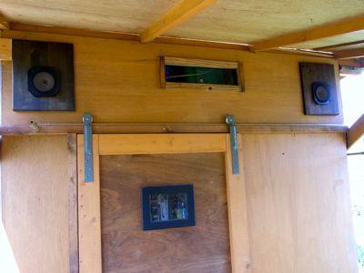 物置小屋の音響設備_c0063348_2239399.jpg