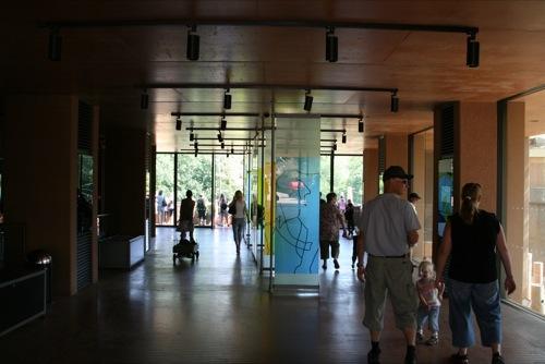 引け目を感じないアクセシビリティ 〜コペンの動物園〜_f0015295_3583281.jpg
