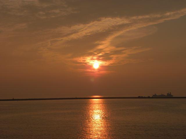 陽が落ちる_f0144003_23535680.jpg