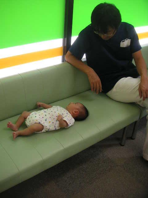 赤ちゃん_a0112220_1724870.jpg