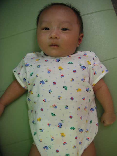 赤ちゃん_a0112220_1745582.jpg
