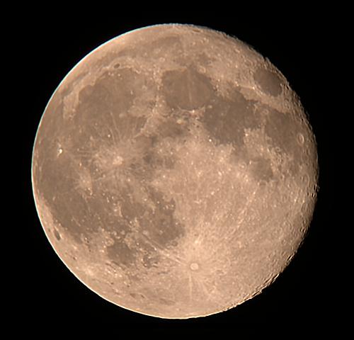 2010年7月27日の月(月齢15.7)_e0089232_2311417.jpg