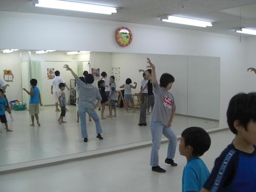めるへん劇団 ダンスレッスン開始!!_c0208355_1613286.jpg