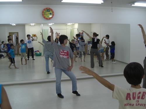 めるへん劇団 ダンスレッスン開始!!_c0208355_16135746.jpg
