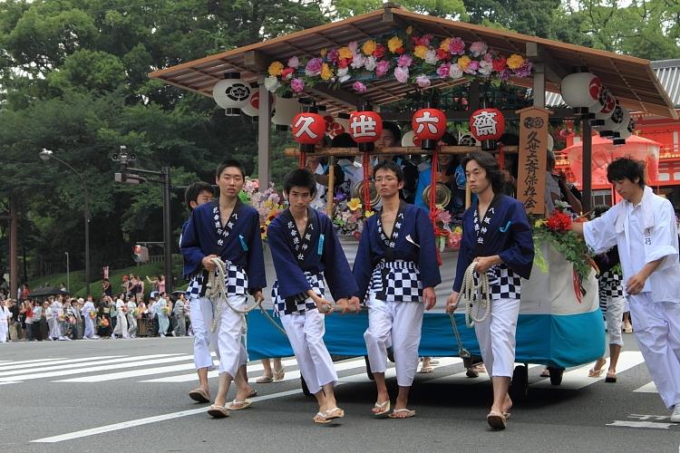 祇園祭 ~花傘巡行(後編)~_e0051888_3455511.jpg